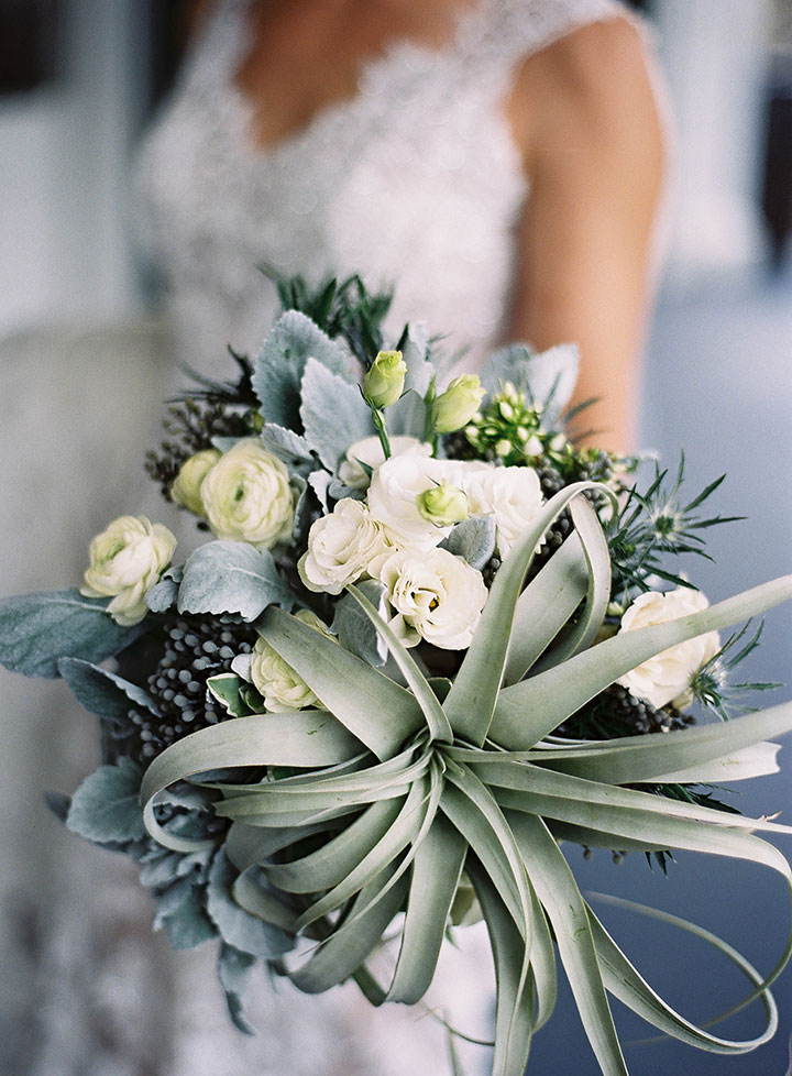 trendy succulent wedding bouquets ideas