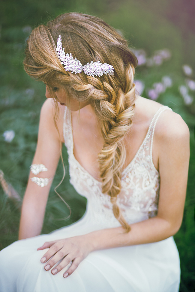 Beautiful wedding hairstyles for long hair brides