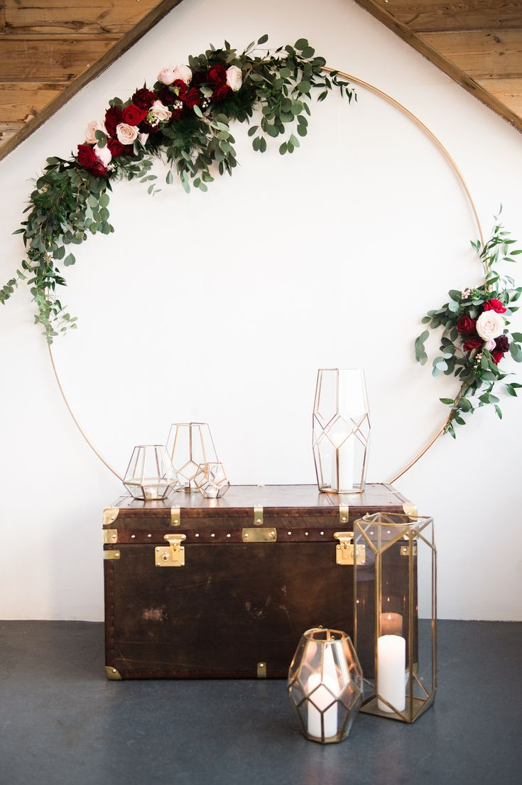 chic and trendy geometric and floral decoration for boho and modern weddings