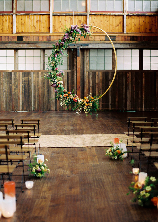 hanging floral hoop wedding ceremony backdrop ideas