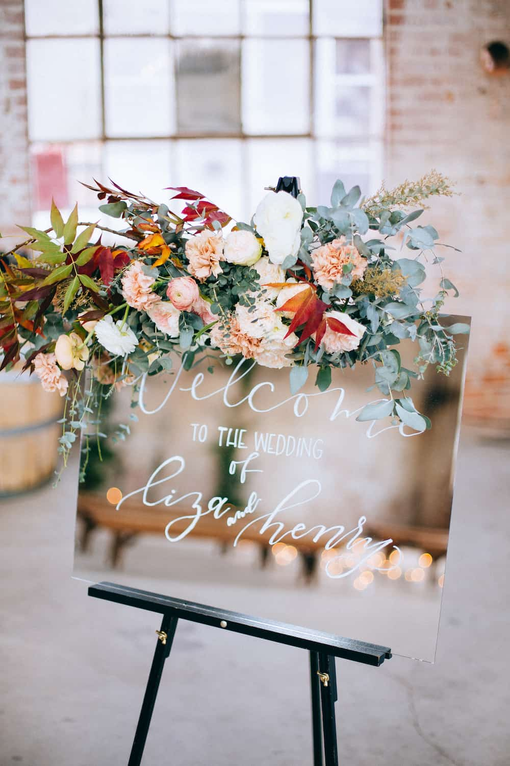 modern mirror wedding sign ideas with floral