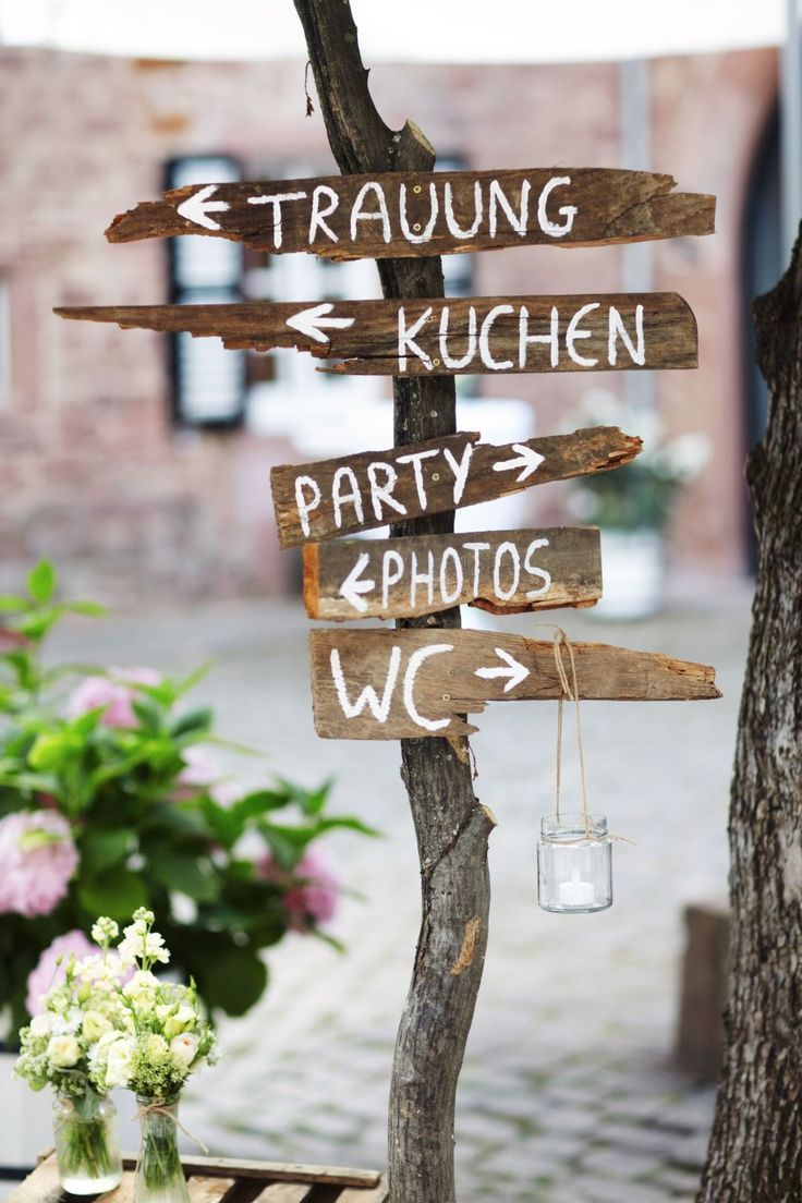 DIY rustic wedding derection sign ideas