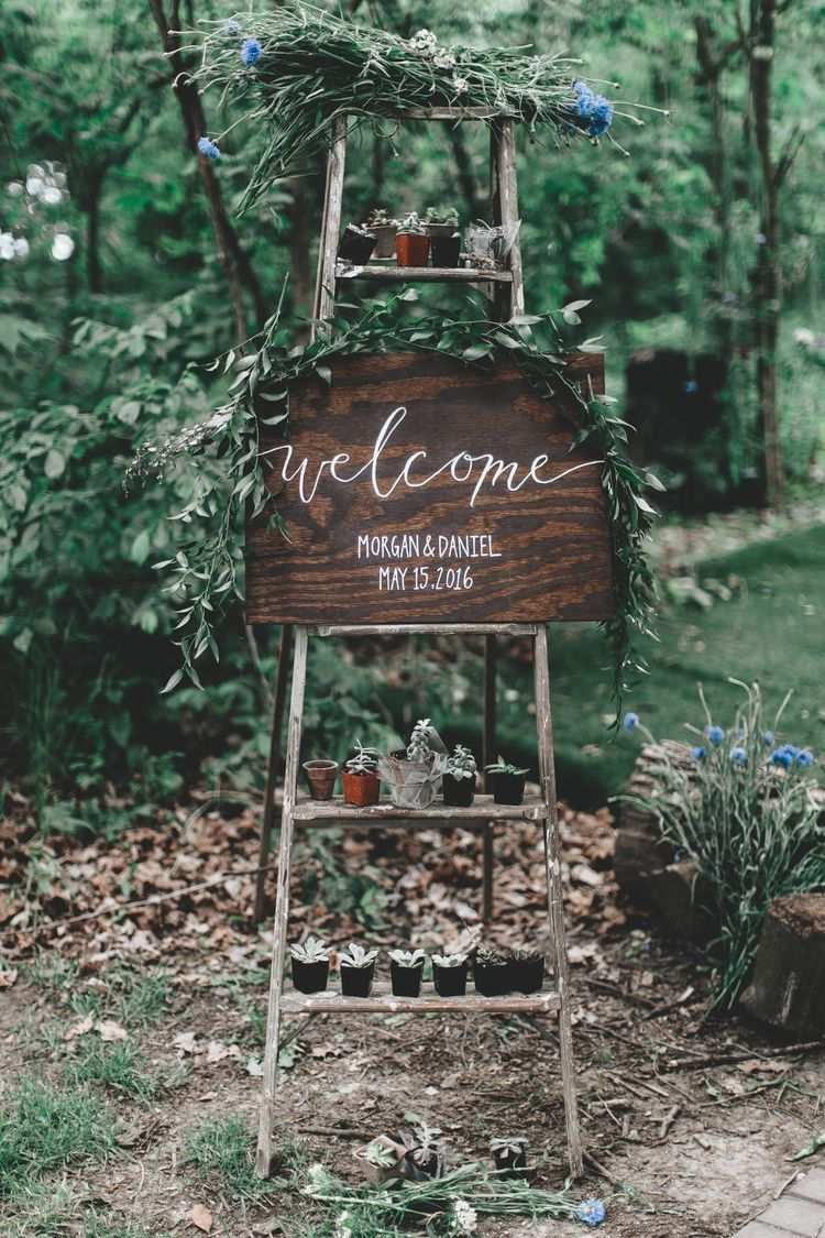 ceative rustic greenery ladder wedding welcome sign decoration