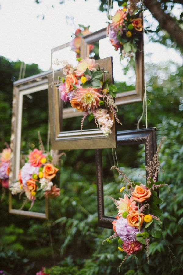 Chic Vintage Frames Wedding Decor Ideas