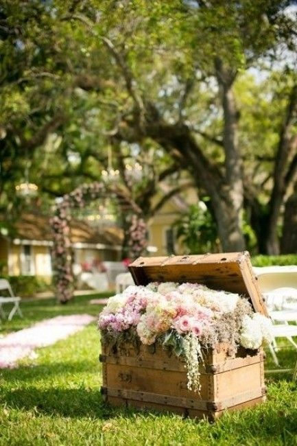 Vintage Wedding Decoration Ideas with Wooden Crates of Flowers