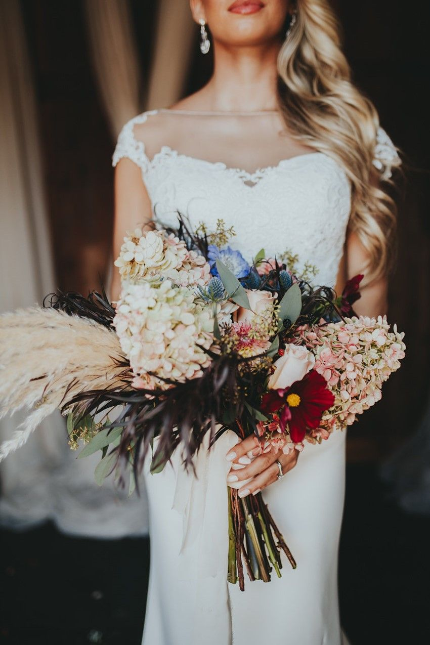 beautiful bridal bouquets for fall and winter brides