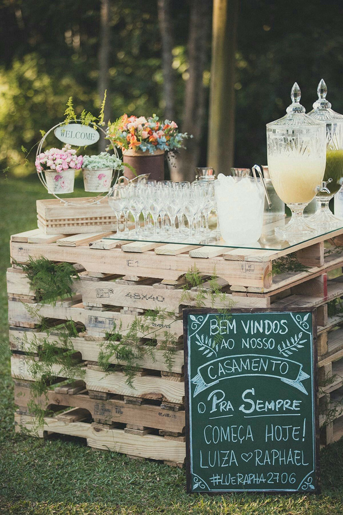 creative rustic vintage wedding drinks table ideas