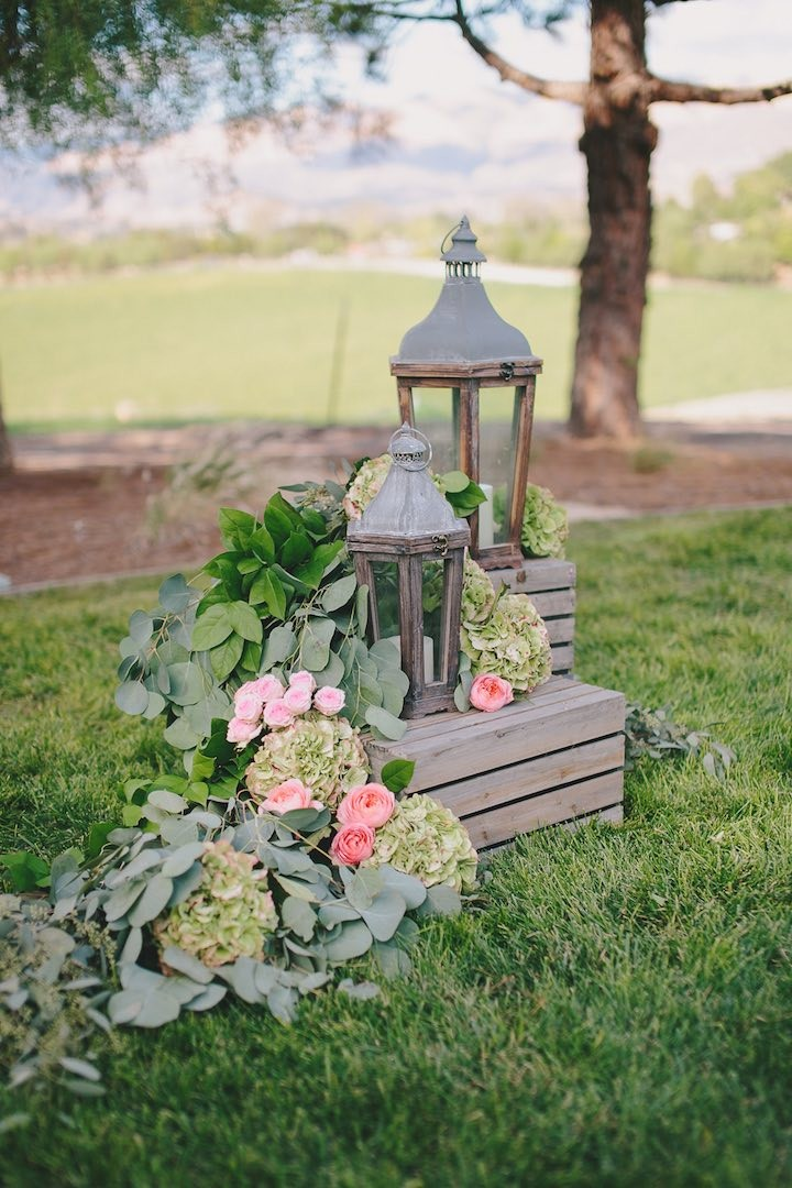 rustic vintage chic lantern wedding decor ideas