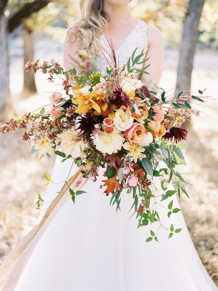 stunning wild boho style rustic fall wedding bouquets