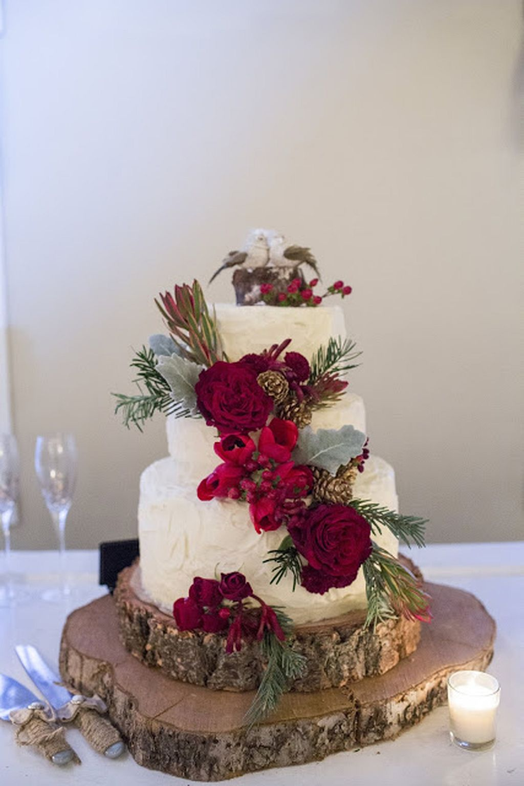 burgundy flowers and silver winter wedding cakes