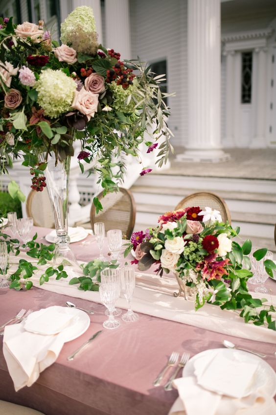 chic dusty rose wedding table cloth ideas