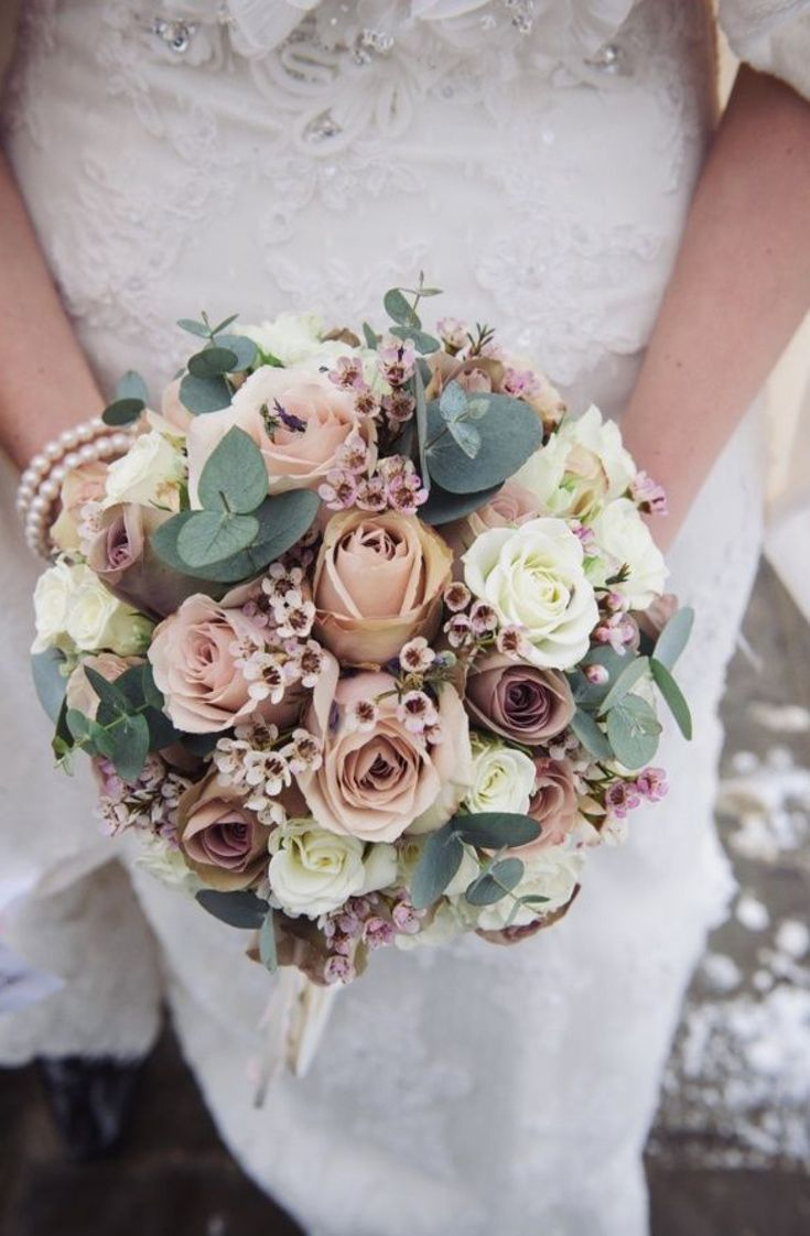 dusty rose vintage winter wedding bouquets
