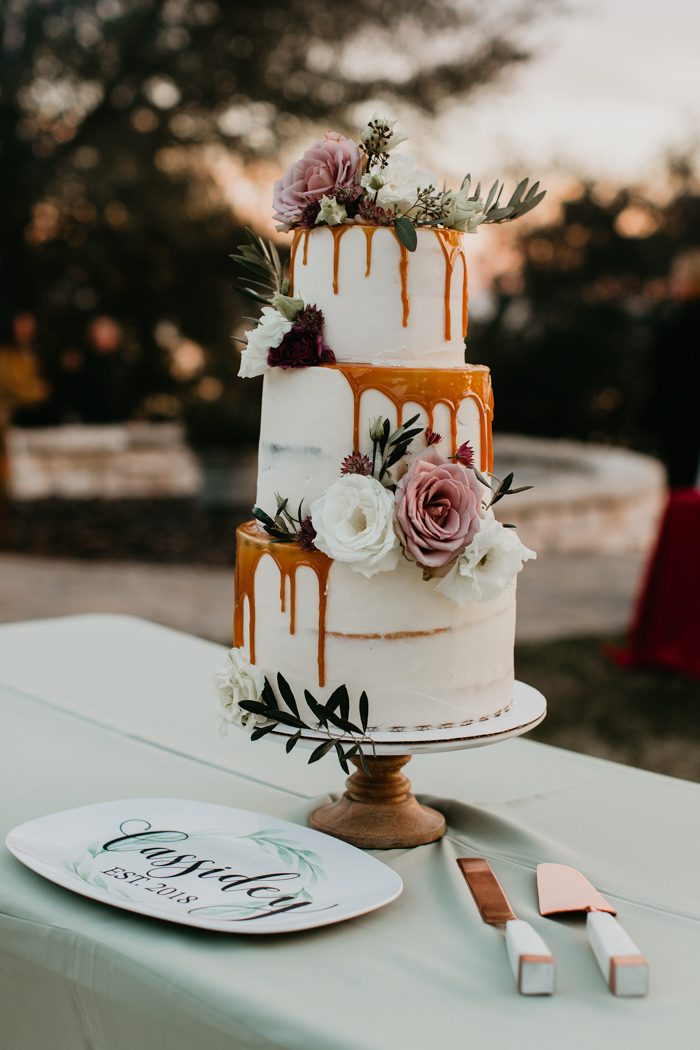 romantic dusty rose and gold wedding cakes
