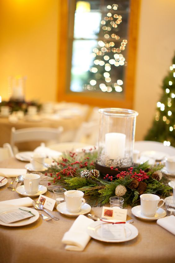 romantic evergreen and red roses winter wedding centerpieces ideas