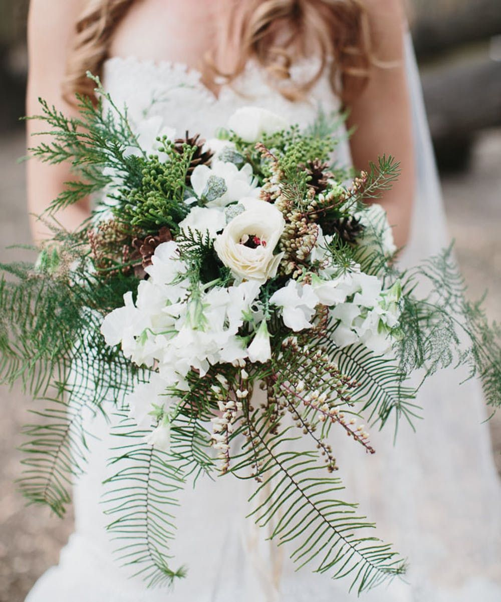 unique and beautiful wedding bouquets for your winter weddings
