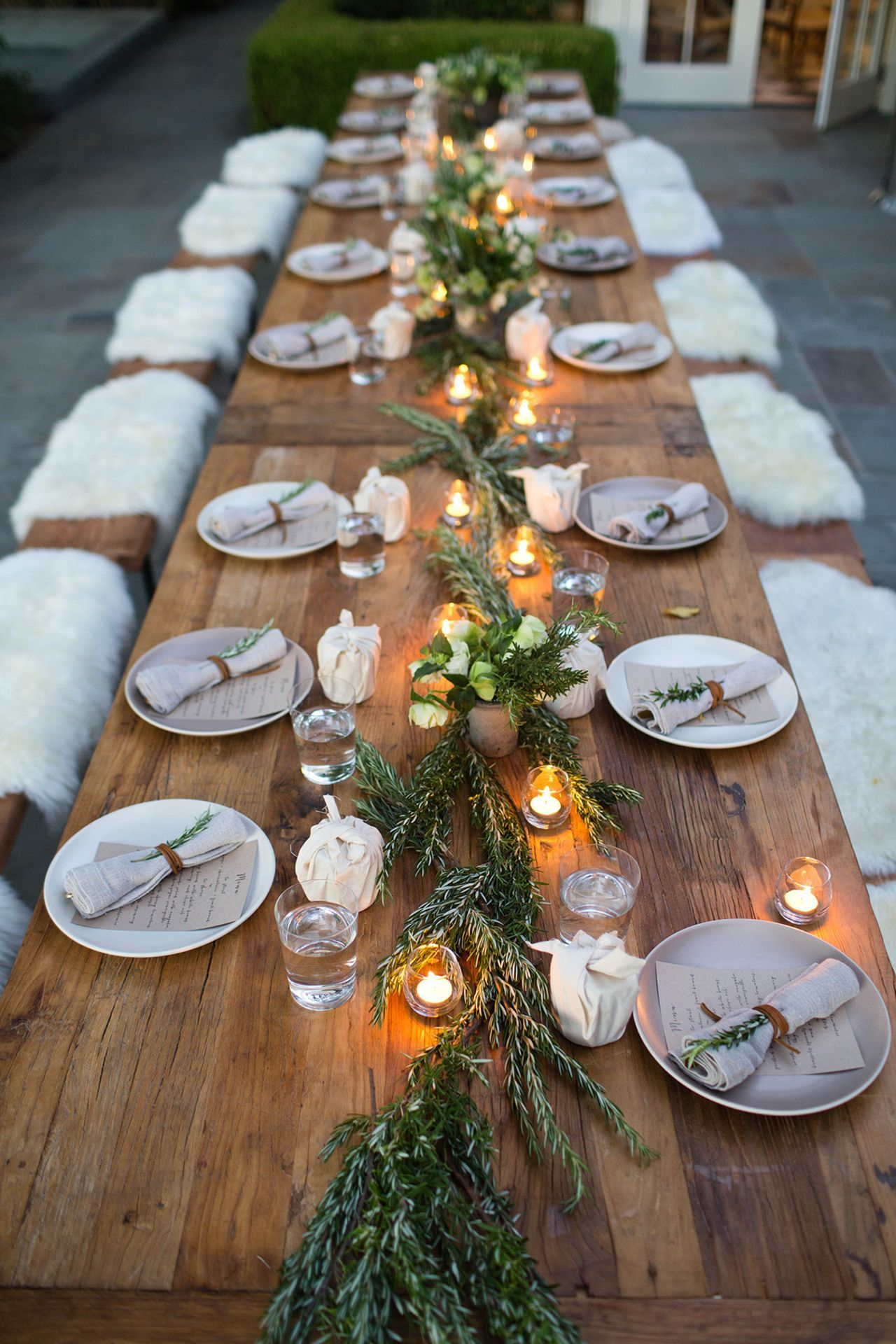 romantic candlelit winter wedding table decoration ideas