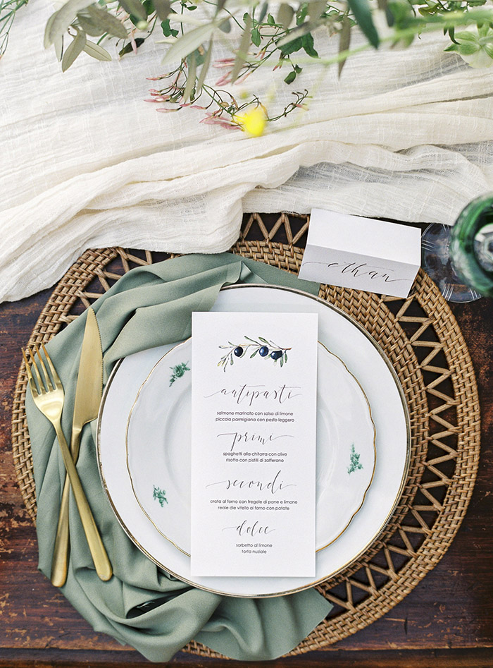 artistic sae green wedding place setting ideas