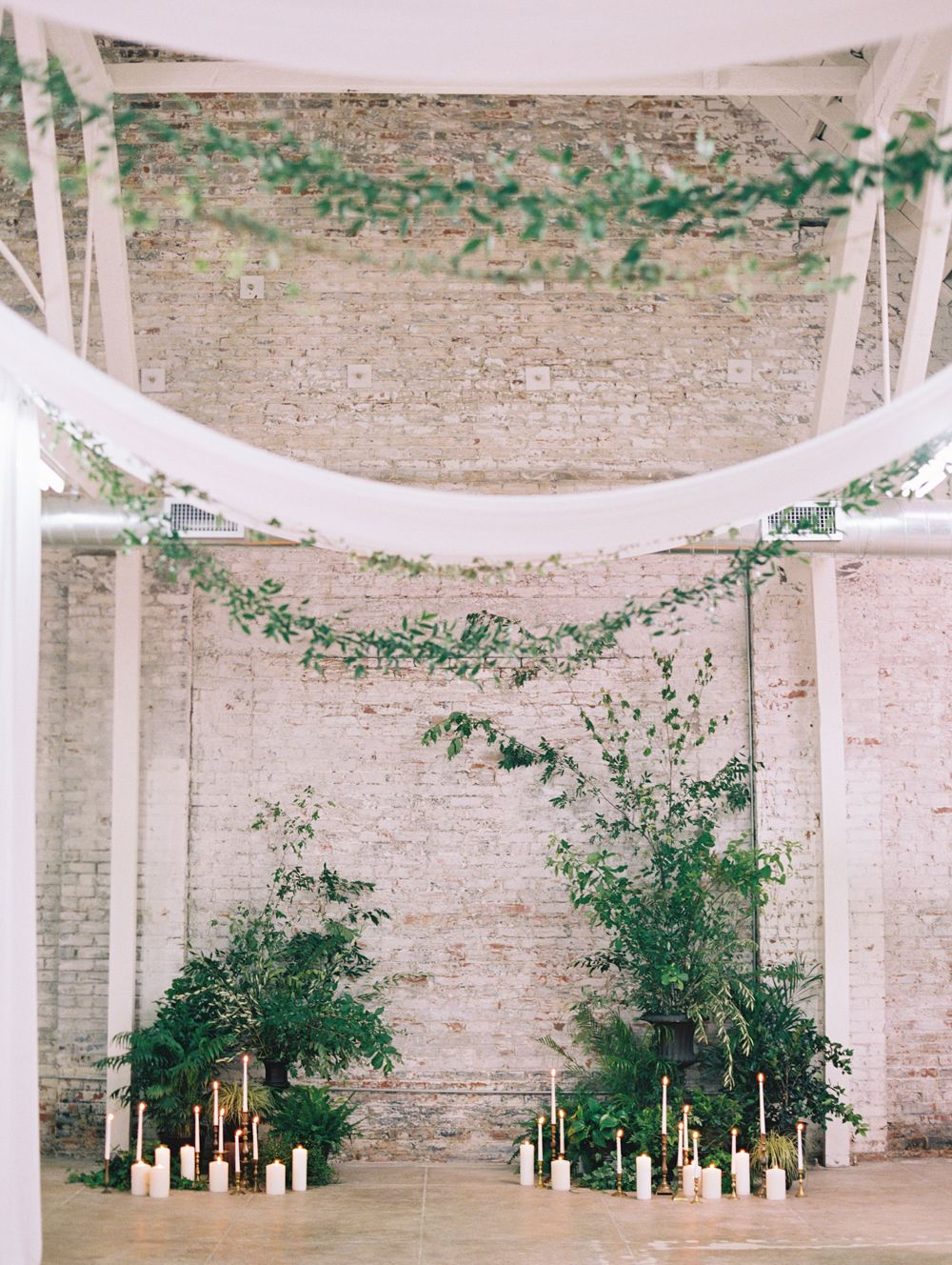 creative ideas to incorporate greenery to your wedding venue