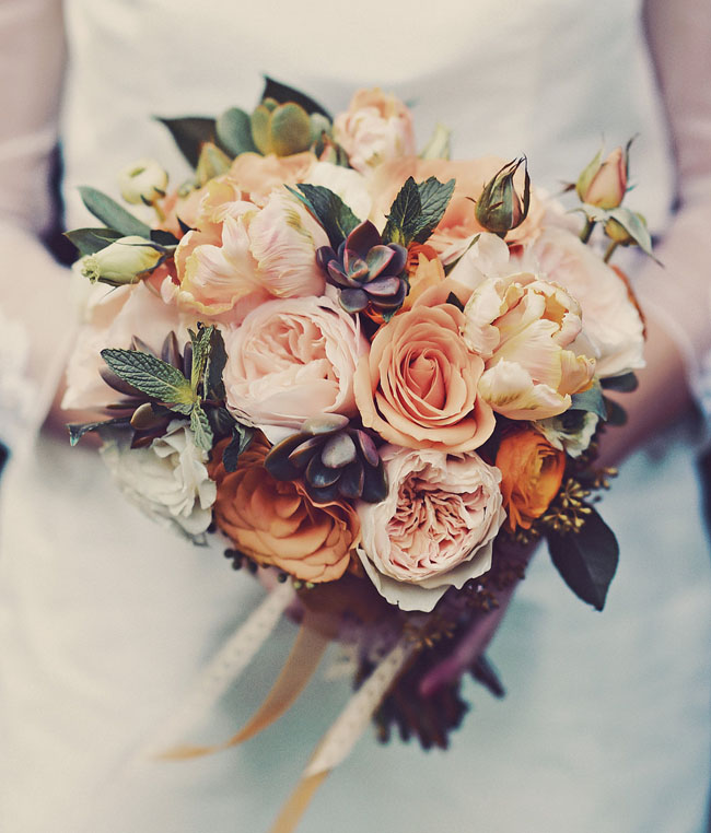 vintage style dusty red orange wedding bouquets ideas