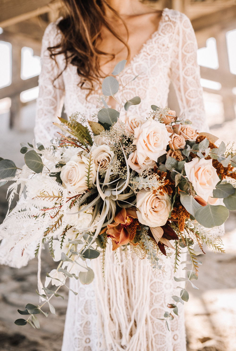 boho inspired neutral tone bridal flower bouquets ideas-