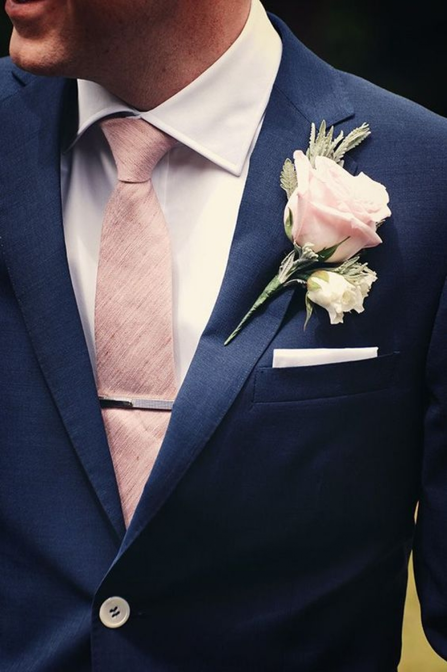 navy blue groom suit with blush pink boutonnière