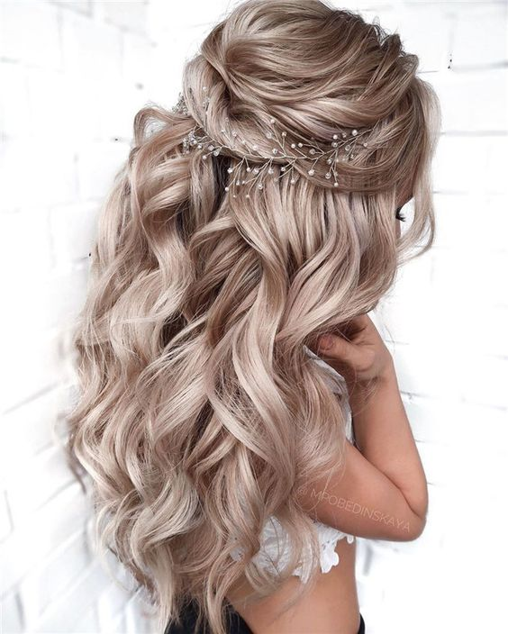 Charming Loose Curls For Wedding
