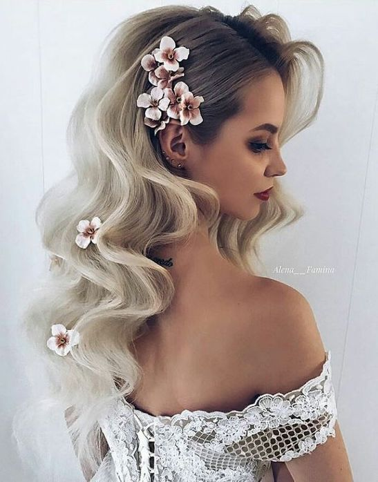modern wedding hairstyle ideas for loose curls