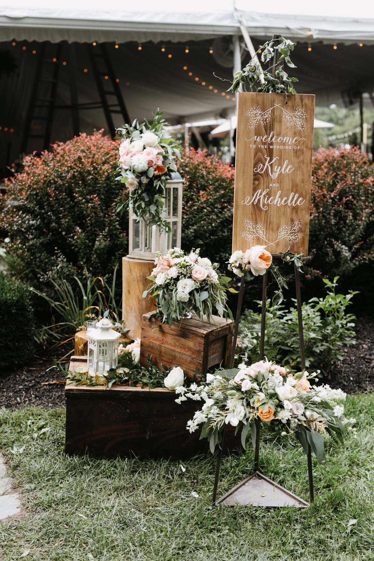 organic floral wedding decoration wedding idea