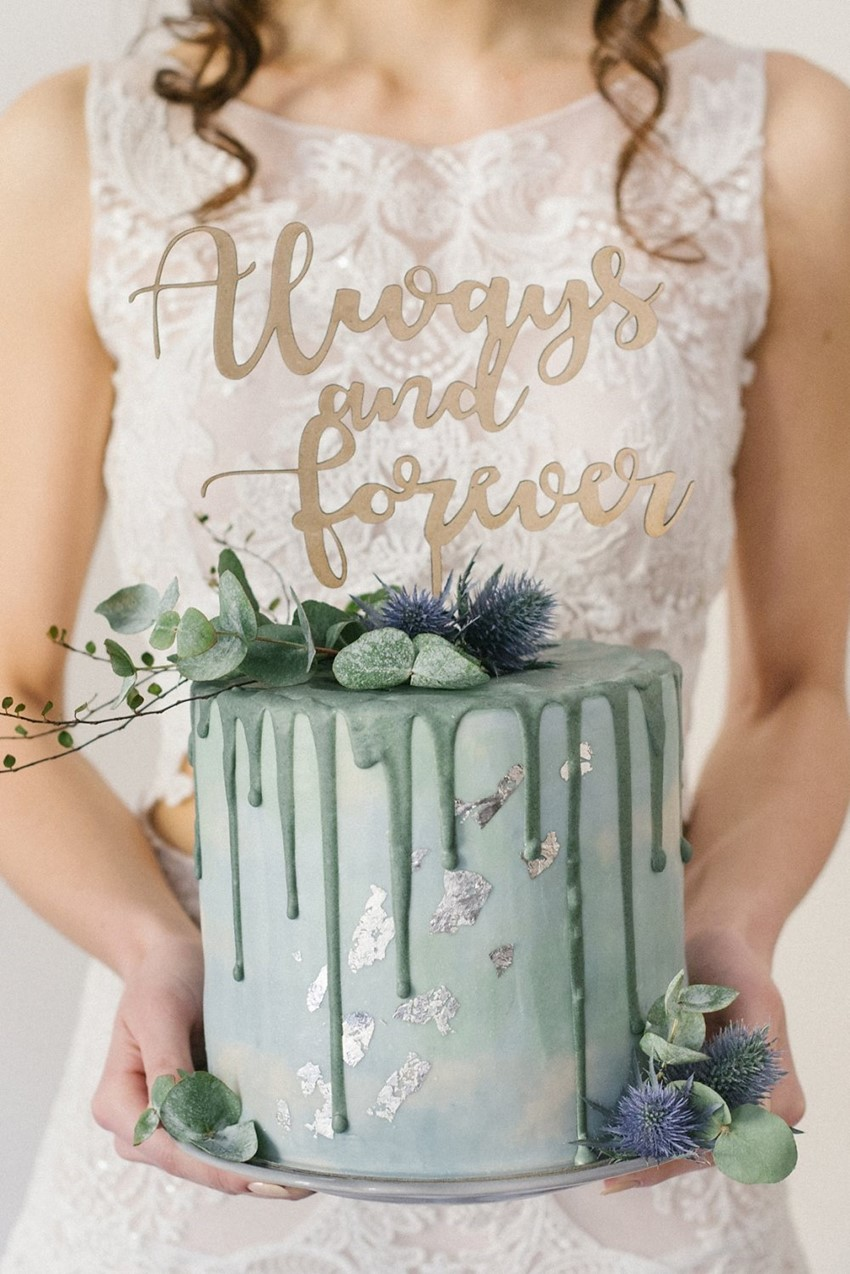 fabulous sage green wedding cake ideas