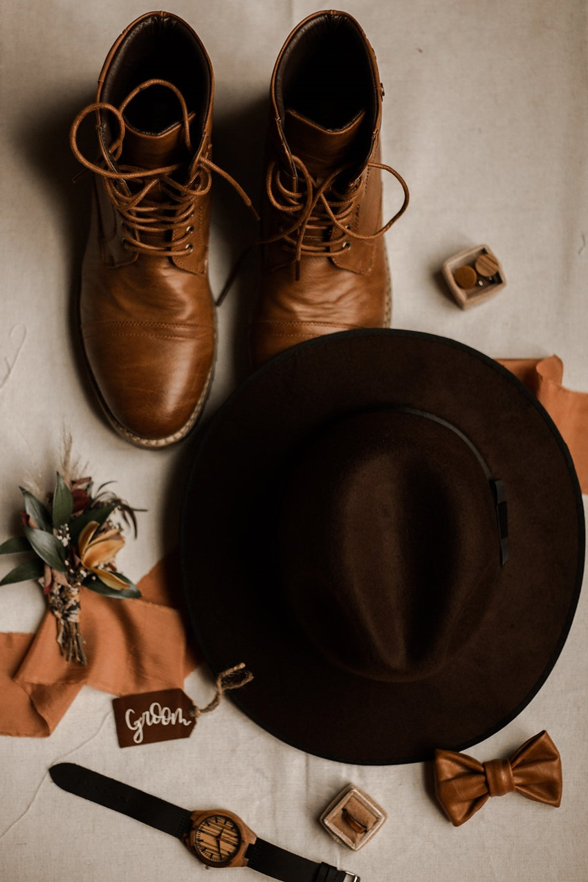 fall desert elopement wedding ideas for grooms accessories