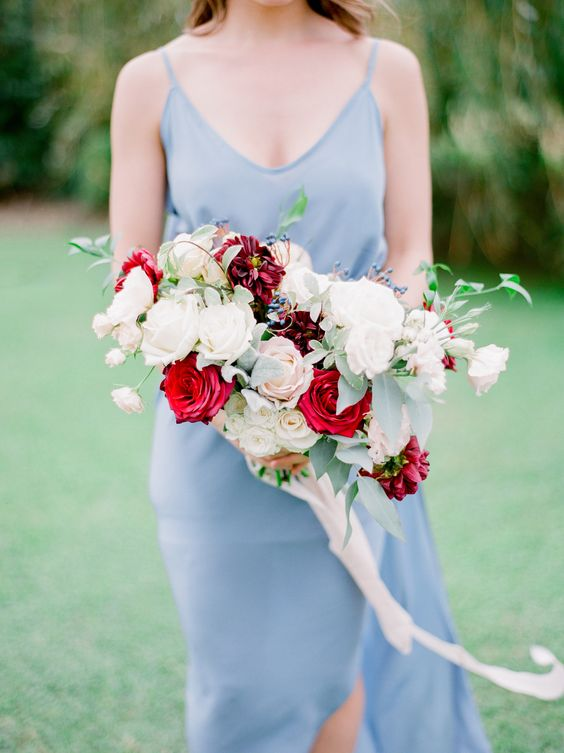 gorgeous dusty rose and burgundy wedding bouquet ideas