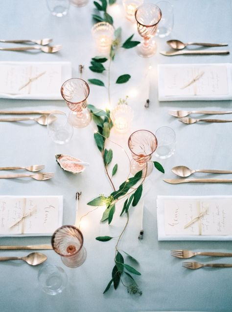 romantic dusty blue wedding table setting decor ideas