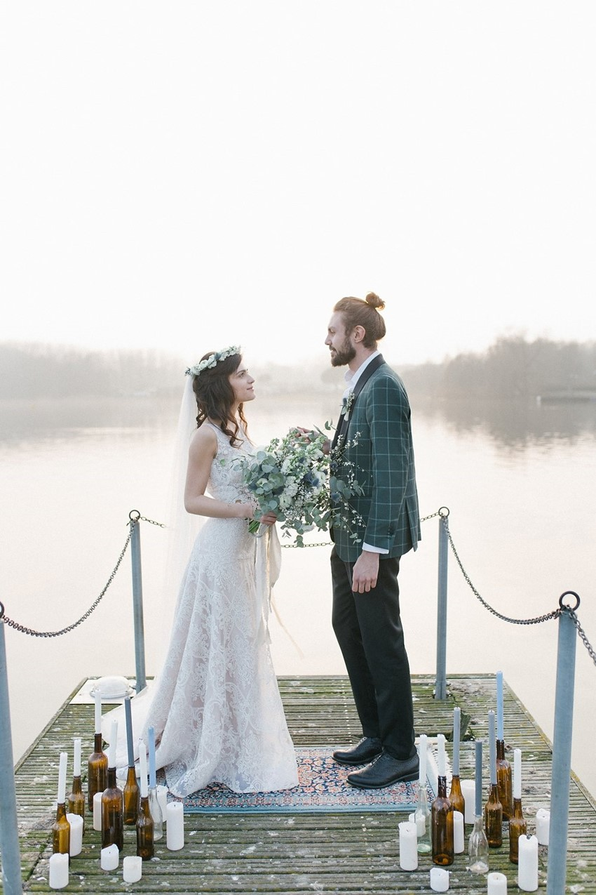 romantic lakeside wedding ceremony ideas