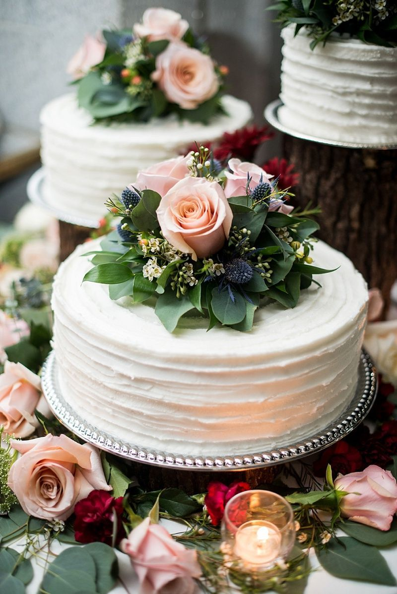 11 Easy Ways to Create a Simple and Elegant Wedding Cake of Your