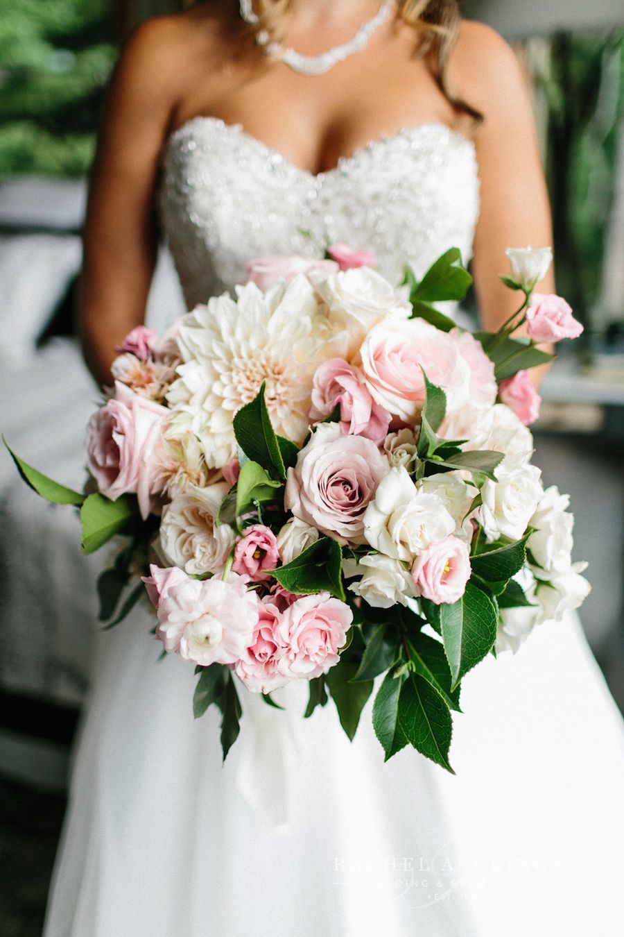 the best pink bridal bouquets for spring and summer
