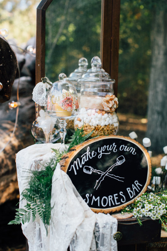 Rustic smores bars with cookie dessert wedding food ideas for fall wedding theme