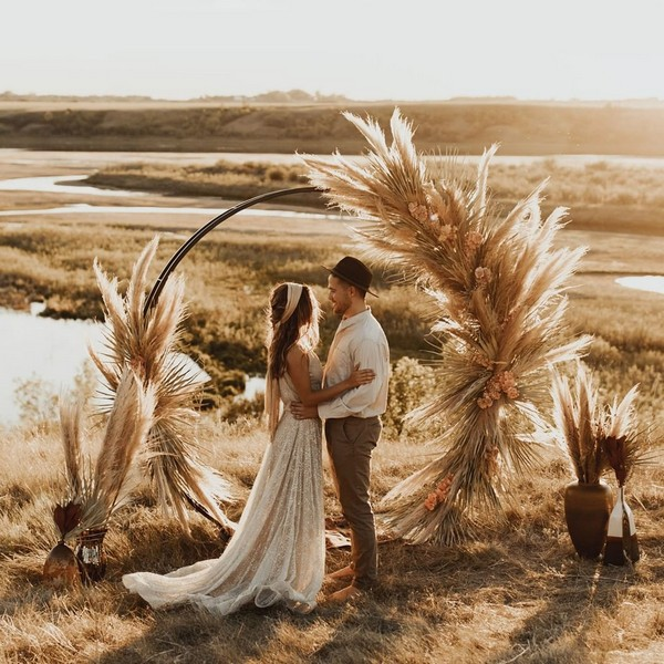 fall wedding decor arch ideas with bohemian pampas grass