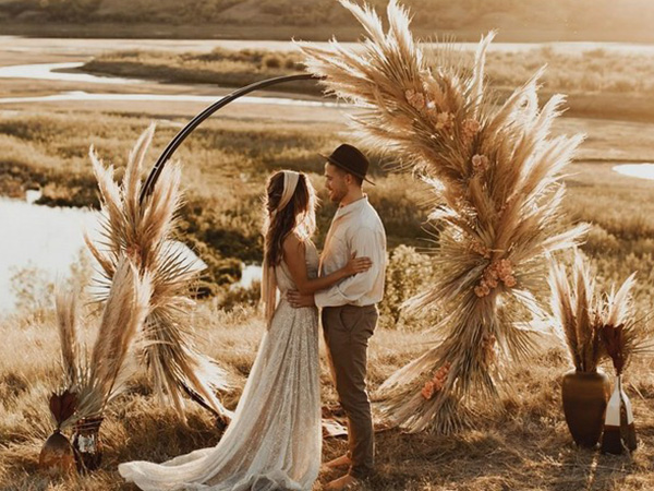 fantastic wedding arches and altars