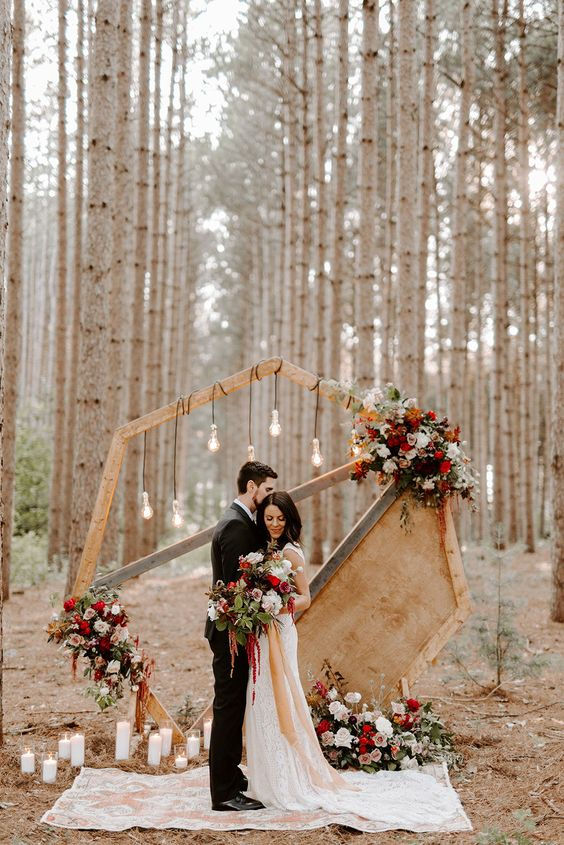 geometric wedding arches ideas perfect for outdoor fall rustic wooden wedding