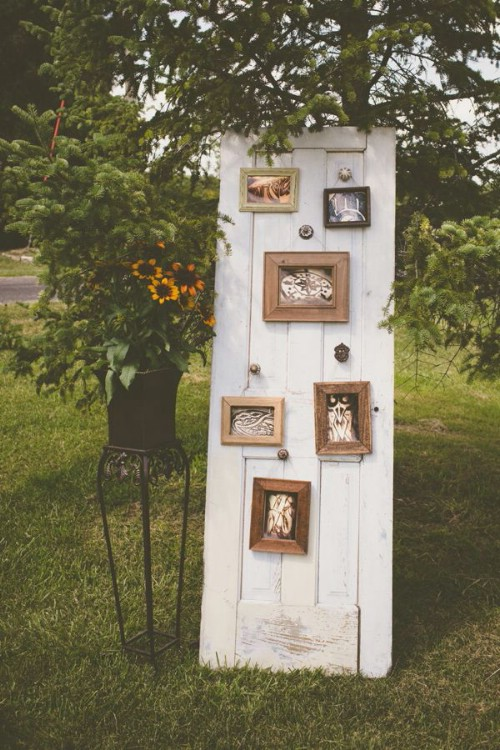 old door photo display wedding decoration ideas