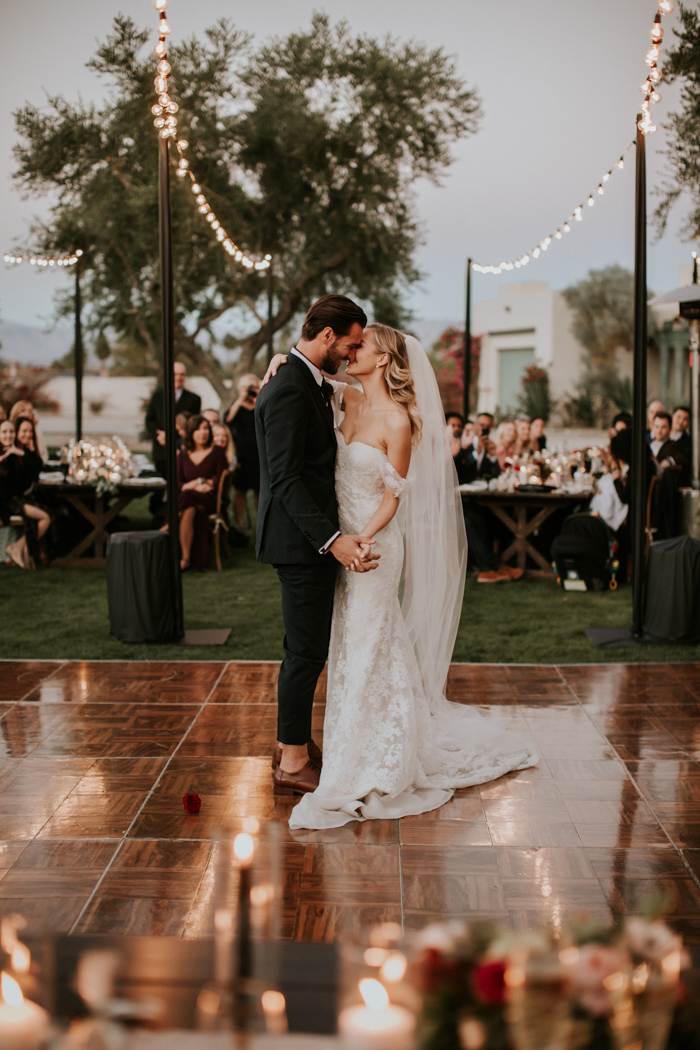 romantic backyard wedding dancing floor ideas for fall wedding