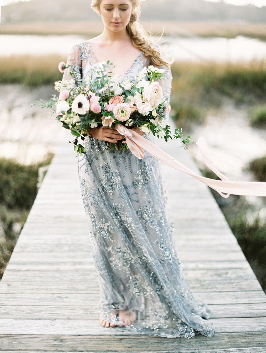 romantic dusty blue and blush wedding bouquet ideas