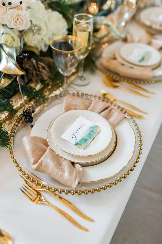 romantic gold champagne glitter wedding tableset ideas