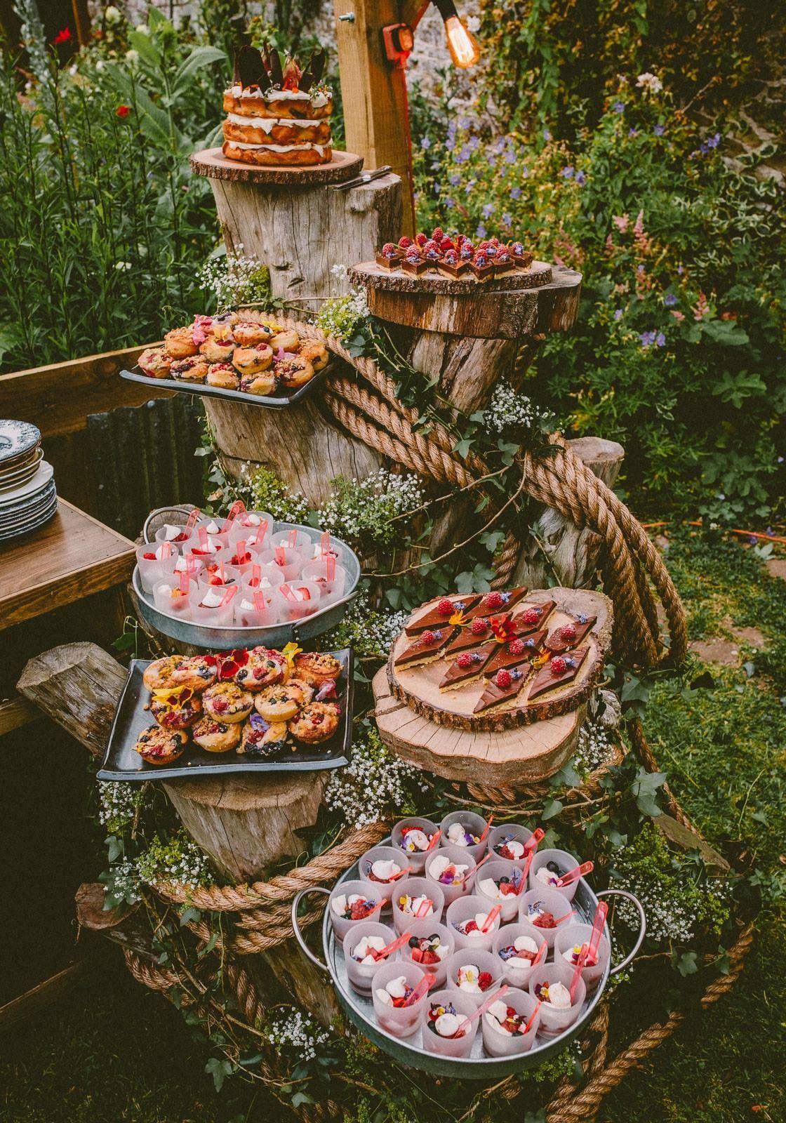 creative food display ideas for rustic country weddings