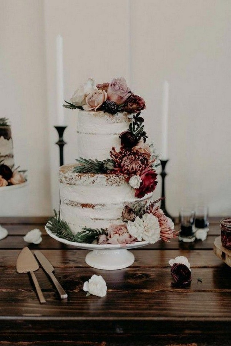 jaw dropping dusty rose and burgundy wedding cakes