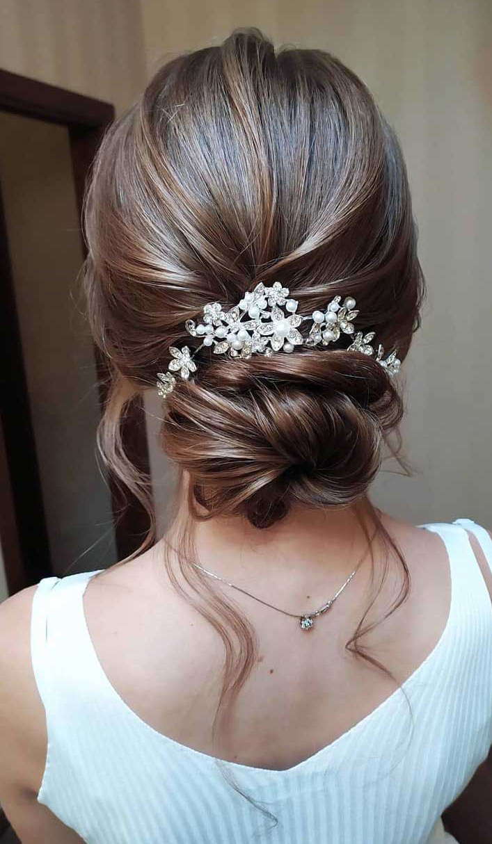 simple romantic low bun bridal hairstyles