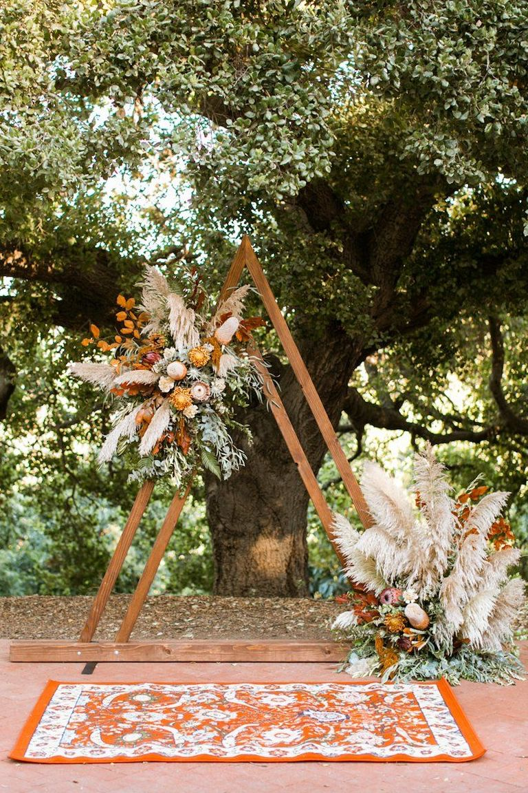 unique boho flower arch for fall wedding ideas