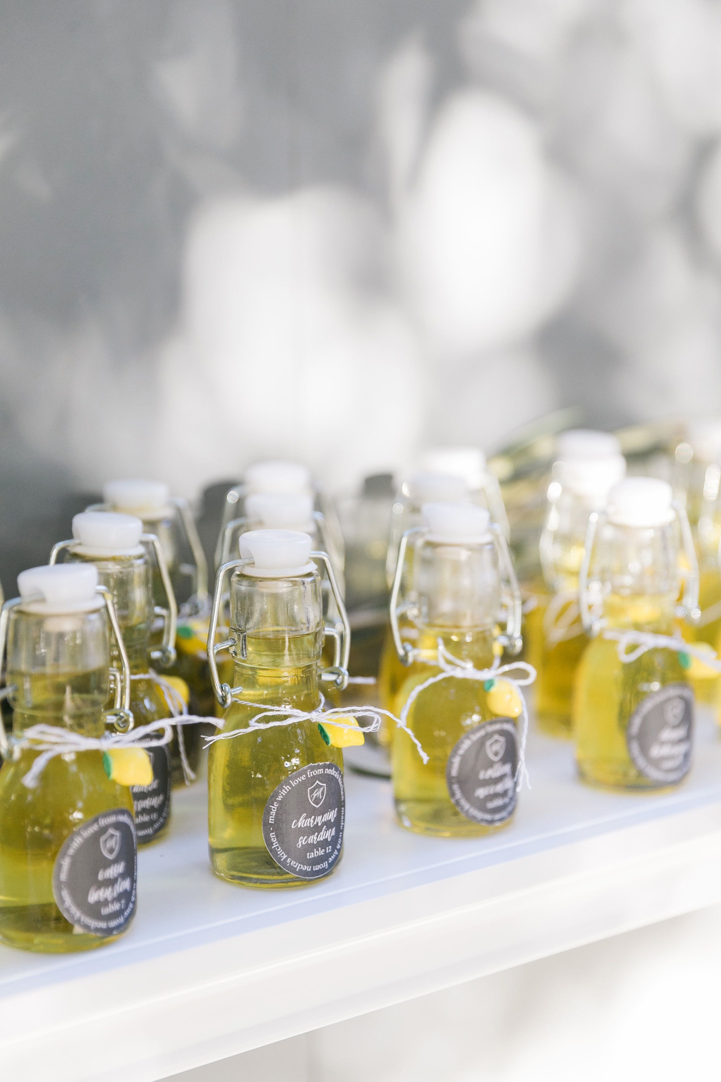 creative minin bottle wedding favors with olive oil