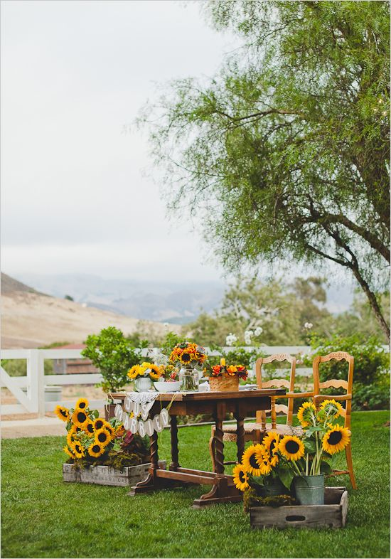outdoor sunflower wedding table decoration ideas