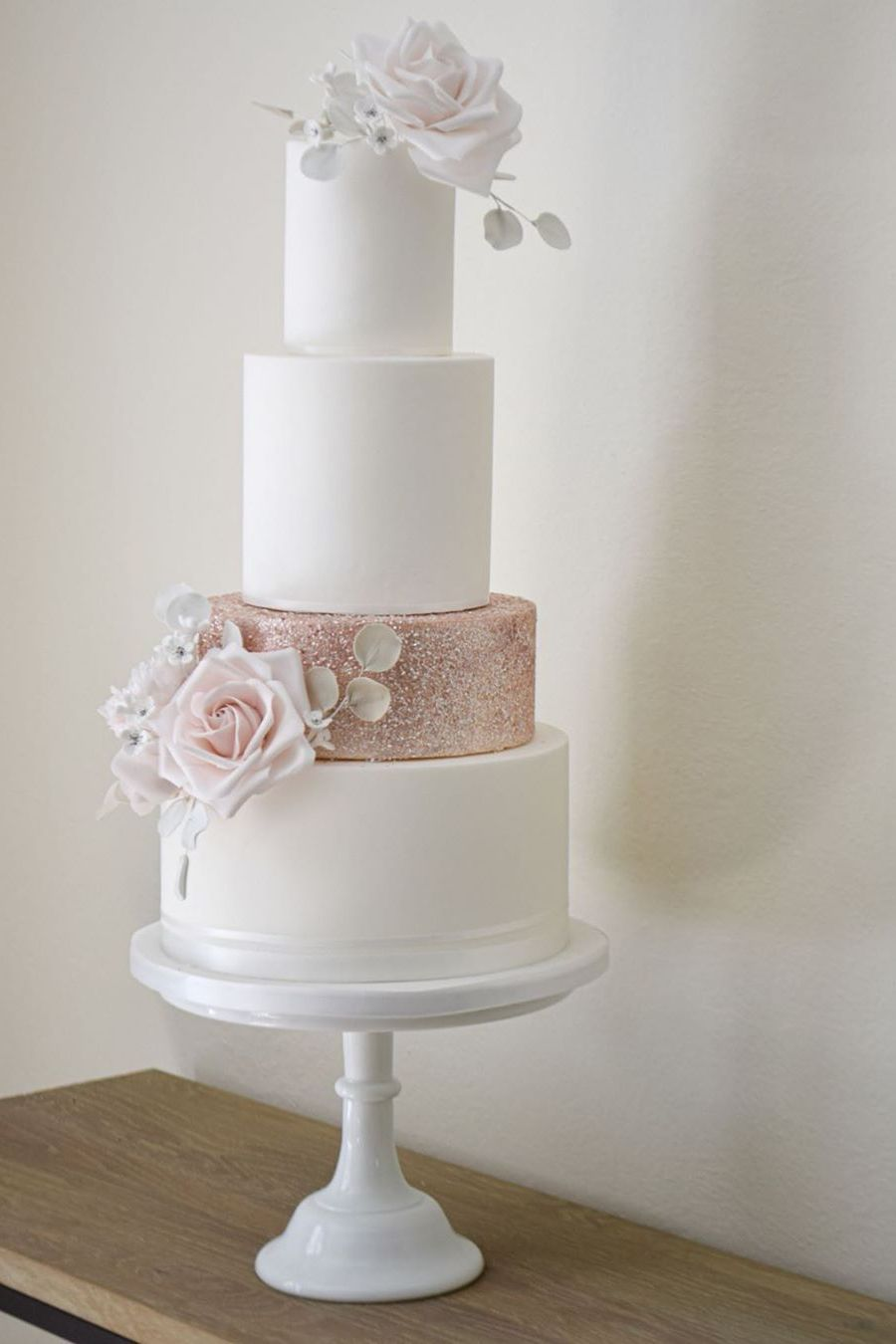 simple and beautiful wedding cakes with rose gold